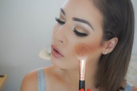 Apply a tiny amount of a luminous bronzer on top of the contour and blend. I used Zoeva Luxe Sheer Cheek brush 127