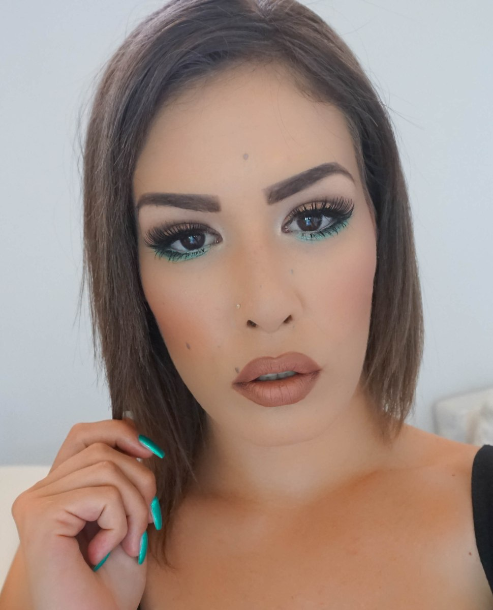 MATCHY MATCH GREEN MAKEUP LOOK