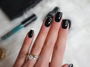 LE VERNIS NAIL COLOUR 219 BLACK SATIN