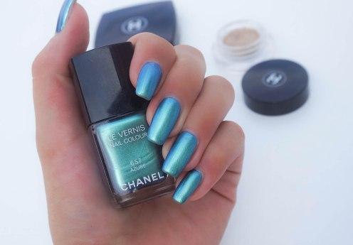 CHANEL nail colour 657 Azuré