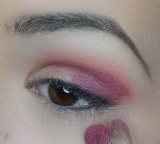 Apply Alchemy in outter corner with Z234 and blend it into the base color on my crease with Z231