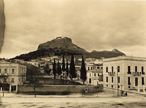 Μια άλλη όψη των «Πευκακίων» στο Λυκαβηττό στις αρχές του 20ου αιώνα (από το αρχείο του συγγραφέα)