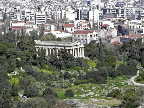 Μεσογειακή βλάστηση περιβάλλει τους αρχαίους τόπους (από το αρχείο του συγγραφέα)
