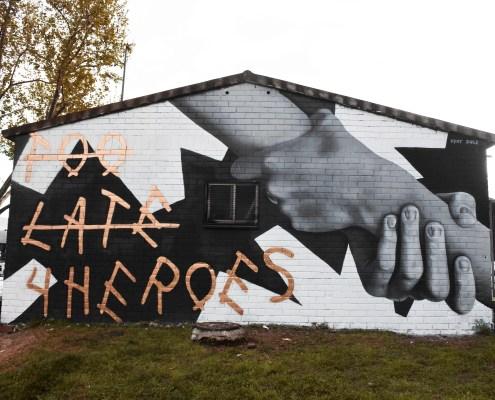 toolate4heroes Mural Mollet del Vallés Street Art Dase Marc Álvarez Artist Graphic Designer Illustrator Muralist Calligrapher Lettering