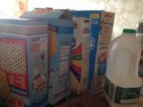 Unsere Frühstücksauswahl - sehr lecker, aber man wurde auch nach drei großen Schüsseln nicht satt...