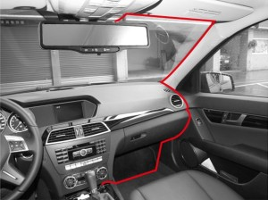 Diagram showing how to connect a dashboard camera's power adapter