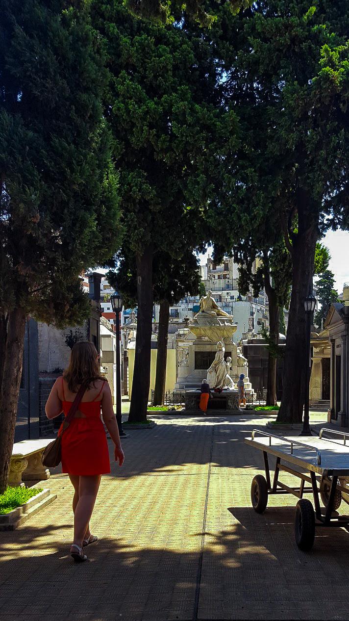 Walking through La Recoleta Cemetery