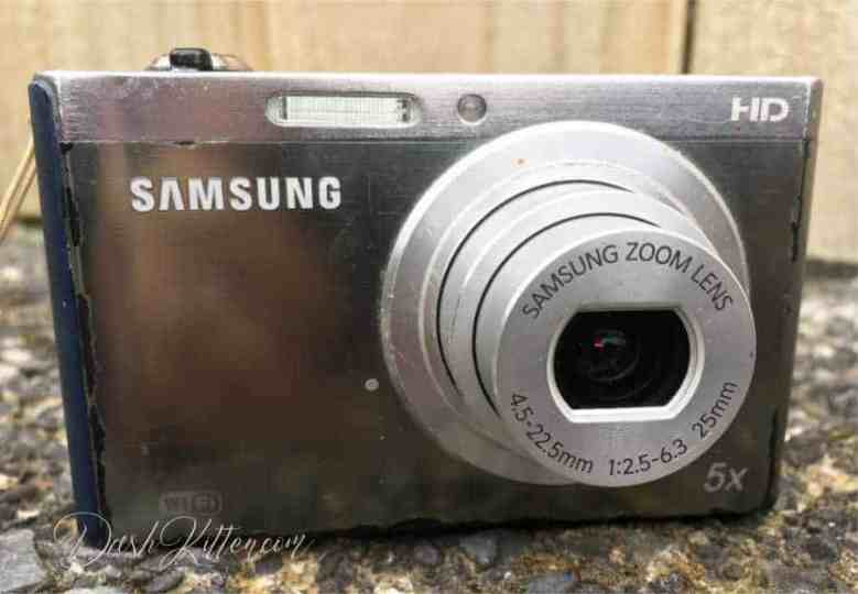 Compact Camera Front