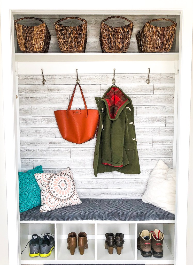 How To Completely Change The Look Of Your Entryway!