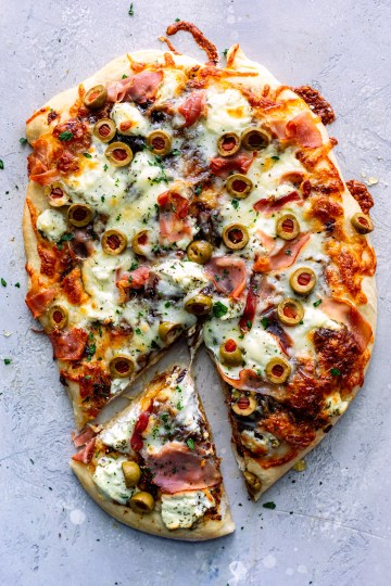 Charcuterie Pizza - Dash Of Mandi