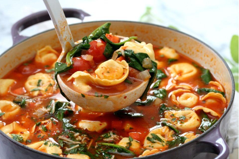 Roasted Tomato Tortellini Soup