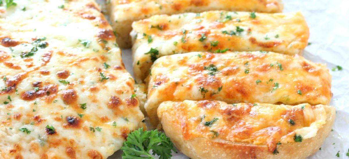 The Cheesiest Garlic Bread