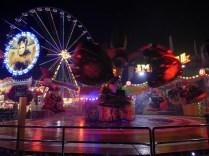 """Riesenrad und """"Magic"""" bei Nacht"""