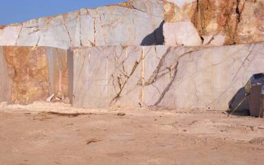 Quarry_Gallery_Red_005