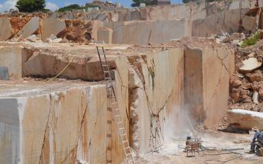 Quarry_Gallery_Yellow_022