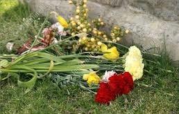 graveside flowers2