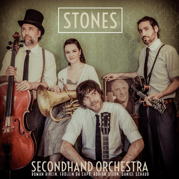 "Die neue Single ""Stones"""