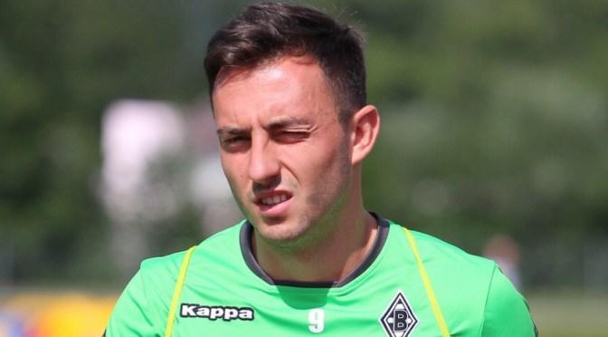 Josip Drmic von Borussia Mönchengladbach wird zum Bankdrücker. Was passiert mit dem Schweizer Nationalspieler? Foto: David Nienhaus