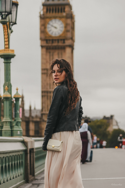 dasynka-fashion-blogger-london-life-street-style-big-ben-pinterest-skirt-pink-black-bag-white-look-leather-jacket-skirt-long-hair-zara-hm-asos-hermes-satin-heels