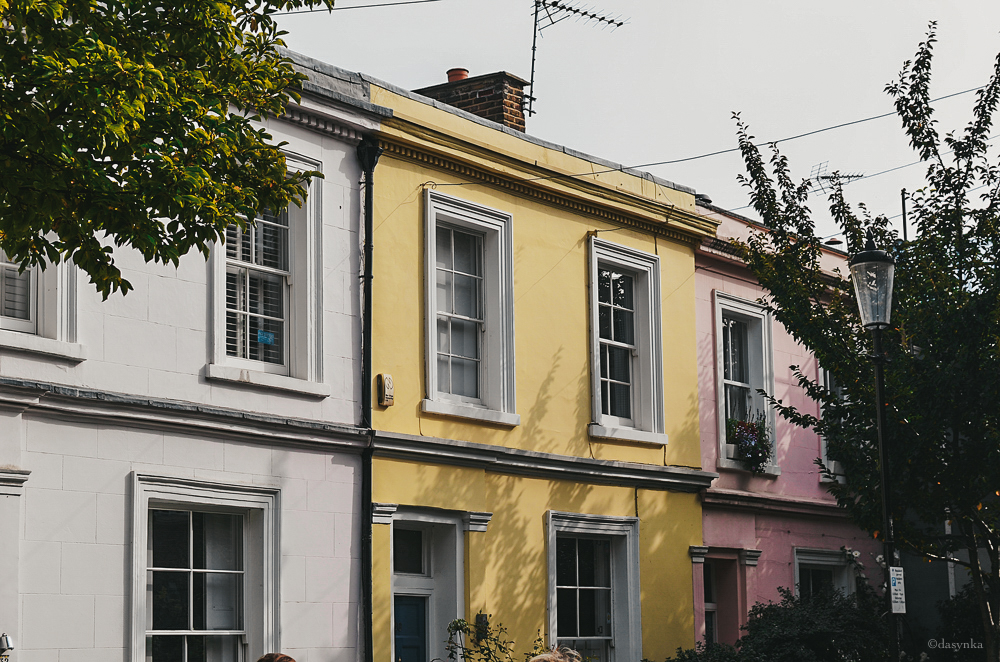 dasynka-fashion-blogger-notting-hill-london-houses-colors-pinterest-pink-portobello-road