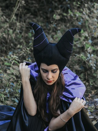 dasynka-fashion-blogger-blog-maleficient-cosplay-cosplayer-disney-disneyland-halloween-make-up-costume-ideas-villain