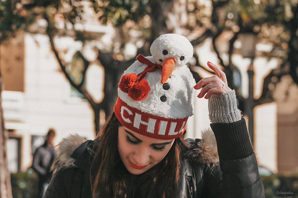 dasynka-fashion-blogger-shooting-model-blog-travel-salerno-globetrotter-backpack-leather-casual-ideas-christmas-grey-white-sweater-hat-snowman-forever21-asos-style-look-outfit-total-cozy-zara-hm