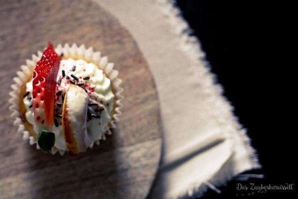 erdbeer-curd-cupcake-3