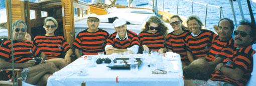 Da sinistra: Cesare Previti, la signora Leccisi, Silvio Berlusconi, Veronica Lario, la signora Previti, Stefania Ariosto,...