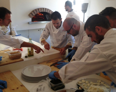 Un momento della preparazione a Pizza Up 2012