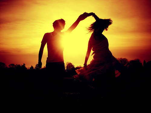 Beautiful-couple-dance-love-sun-favim.com-128359_large