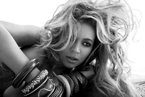 Beyonce2011-bw-wide-big_large