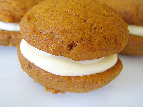 Pumpkin-whoopie-pies-1-525_large