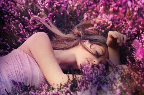 Brunette-flowers-girl-lavender-pink-favim.com-156641_large