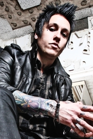 Jacoby-shaddix-papa-roach-interview_large