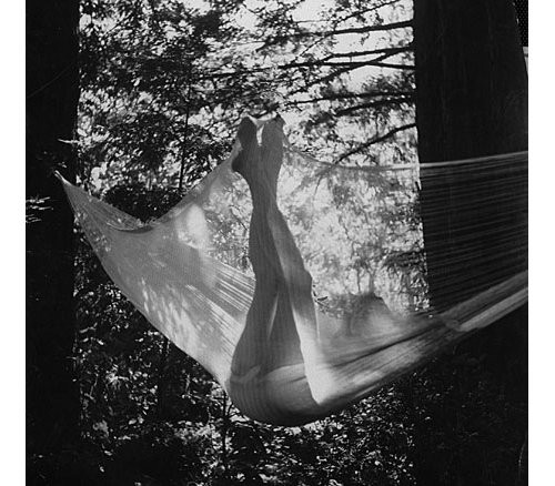 https://i2.wp.com/data.whicdn.com/images/25987940/holidays_summer_hammock_grey_legs_bw-002ac3e46075748cbe420cccc626972e_h_large.jpg