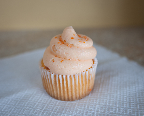 Butter-cream-butter-cream-frosting-butter-cream-icing-cake-colors-favim.com-458686_large