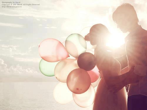 Romantic_couple_love_(2)_large