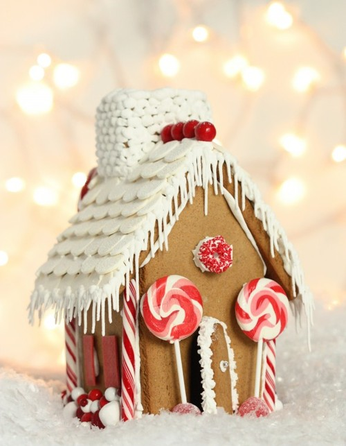 Simple-easy-whimsical-red-and-white-gingerbread-house1-590x759_large