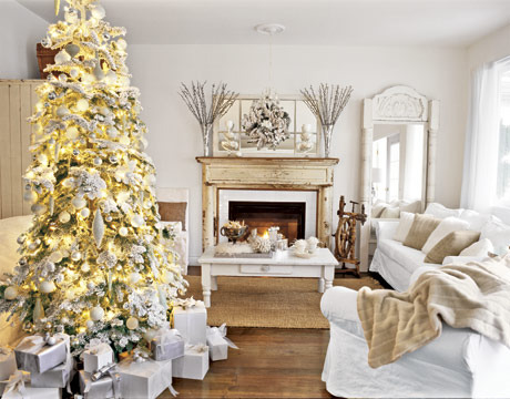 https://i2.wp.com/data.whicdn.com/images/4912410/Christmas-Tree-White-Room-HTOURS1206-de_large.jpg
