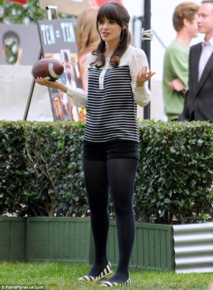 Black-white-striped-blouse-flats-427x580_large