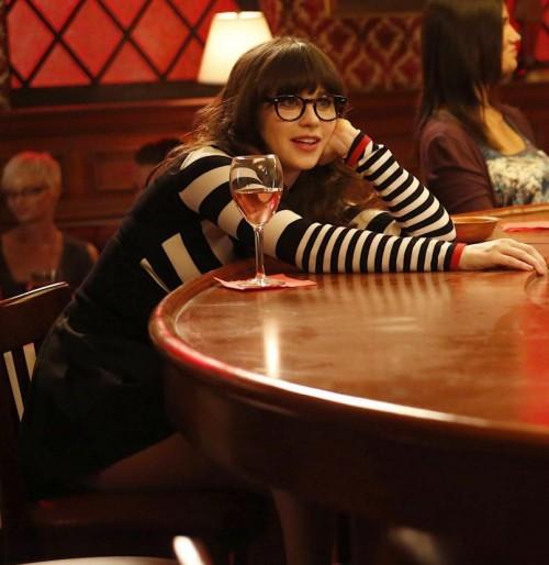 New-girl-black-red-stripe-sweater-500x514_large