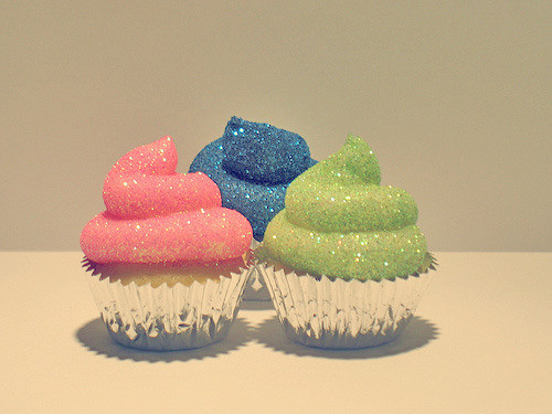 Cupcakes,glitter,colorful,cute,dessert,food-127d611054e8e7eeeba57373417b5963_h_large