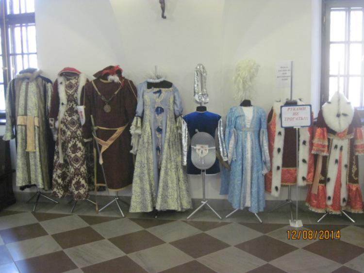 Старинные костюмы замка Несвиж