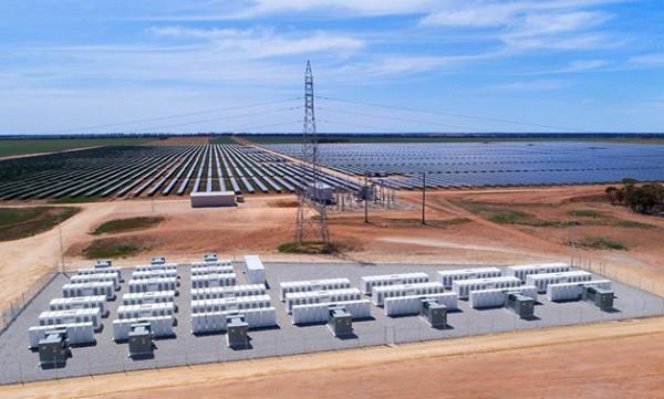 Switch va stocker l'énergie solaire dans les Megapacks Tesla