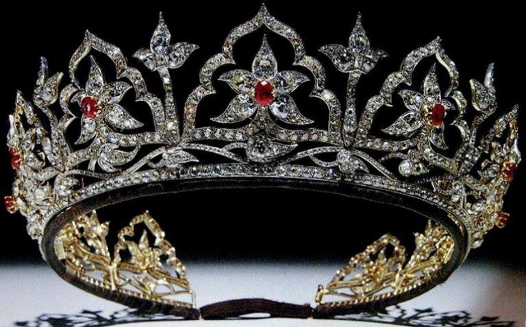 albert-ruby-tiara