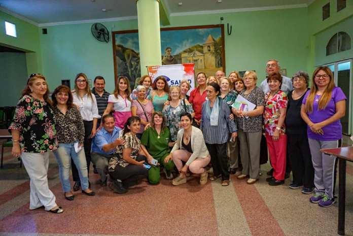 Empleados y socios de la Mutual Fray mamerto Esquiú en una capacitación de Salud
