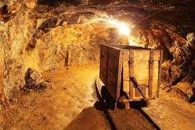 underground-mine-tunnel-mining-industry-l