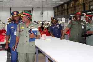 Atahualpa Fernández Arbulu - Escuela de Defensa de Nigeria en Complejo Industrial Tiuna (5)