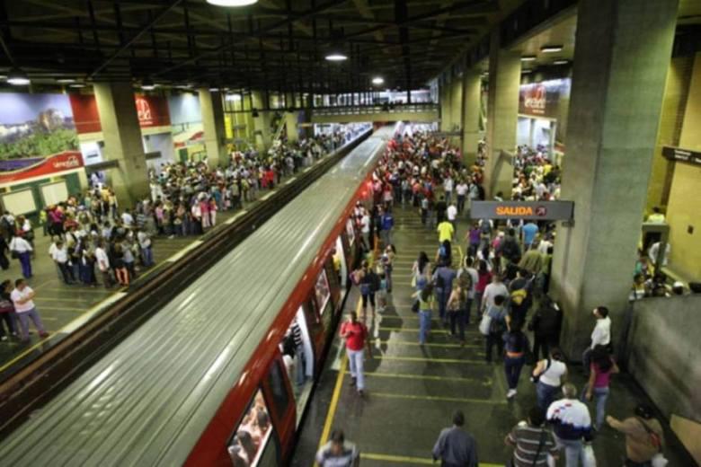 Usuarios en el Metro