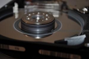 Zerstörte Oberfläche einer Festplatte